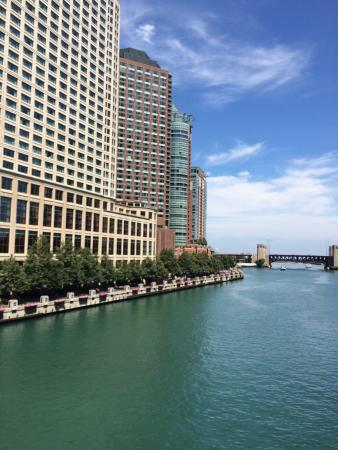 Sheraton Grand Chicago Hotel On The River
