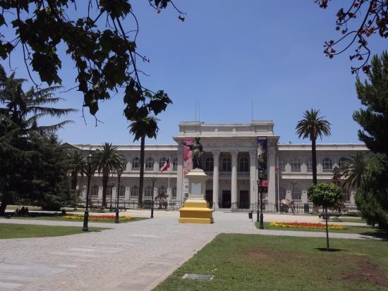Parque Quinta Normal: Quinta Normal e Museo Nacional