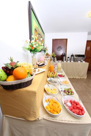 Inkari Apart Hotel: Desayuno Buffet / Vista lateral