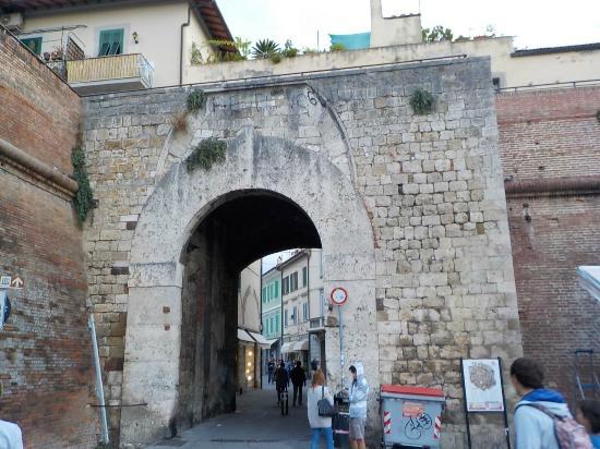 Mura di grosseto porta vecchia foto di mura di grosseto - La vecchia porta ...