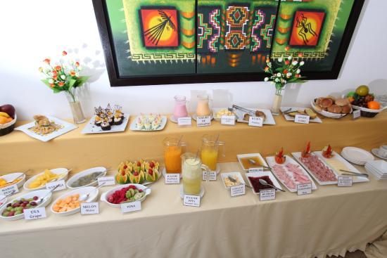 Inkari Apart Hotel: Desayuno Buffet / Vista frontal