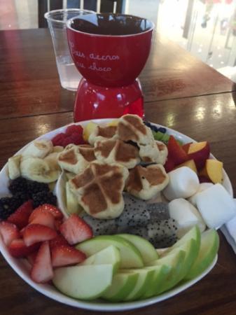 Granny's Waffles: the waffle chocolate fondue