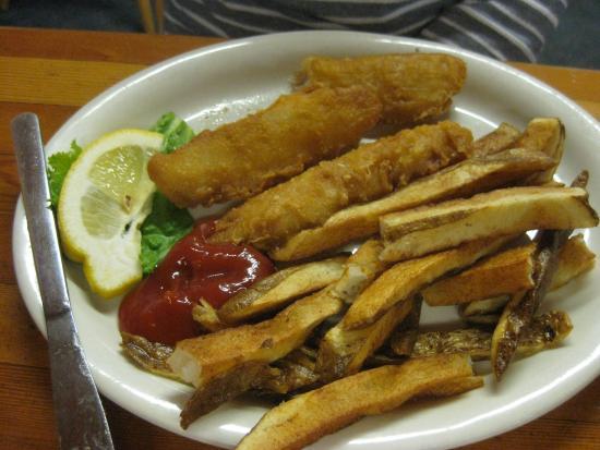 Glacier Highland Restaurant: Fish and chips
