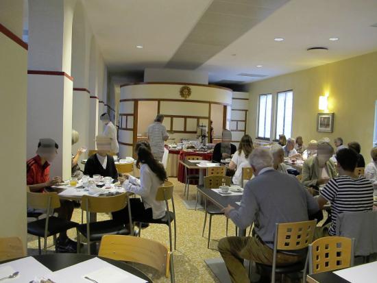 Centro Culturale Don Orione Artigianelli: snidaně
