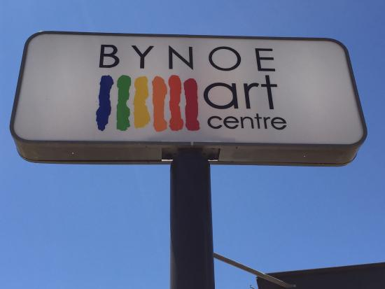 Normanton, Australia: Look for the big Bynoe Arts Centre sign on Landsborough Road