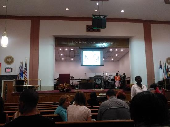 Int rieur picture of bethel gospel assembly new york for Interieur new york