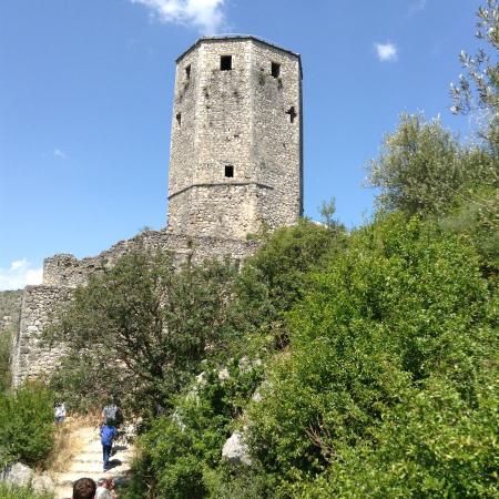 Pocitelj: Vista da torre da fortaleza construída pelos austríacos