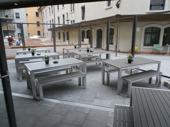 Terrace seating picture of millenium zurich tripadvisor for Terrace zurich