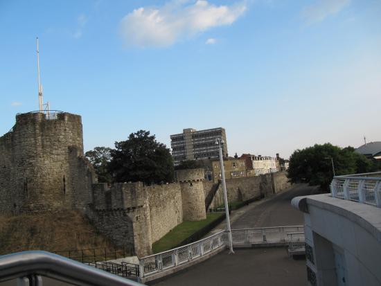 Southampton Town Walls - Picture of Southampton Town Walls ...