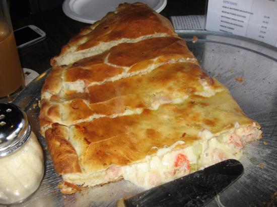 Long Beach Tavern : Seafood Calzone