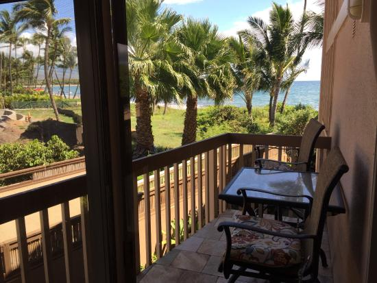 Kihei Sands Beachfront Condominiums: view from dining table