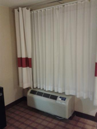 Four Points by Sheraton Jacksonville Baymeadows: PTAC- thermostat controlled