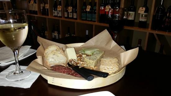 Staunton, Βιρτζίνια: Dragon Hook Cheese Tray