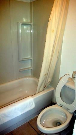 A Wyoming Inn: Banheiro