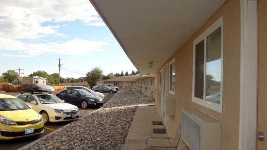 A Wyoming Inn: Área externa