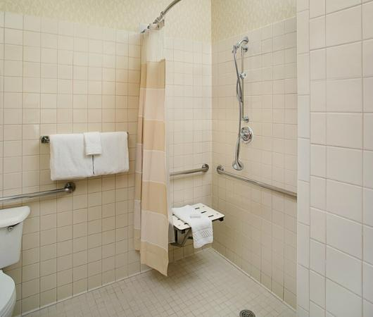 Residence Inn Dallas Park Central: ADA Shower