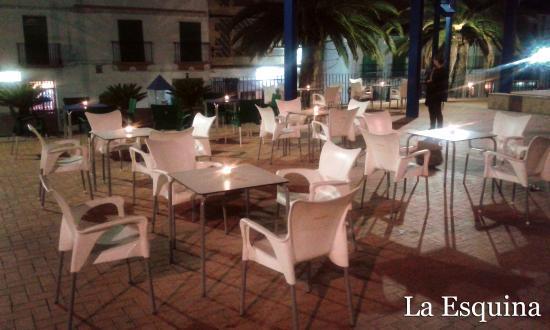La Esquina Cafe & Tapas