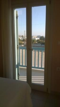 Blue Harmony Apartments : view toward terrace doors