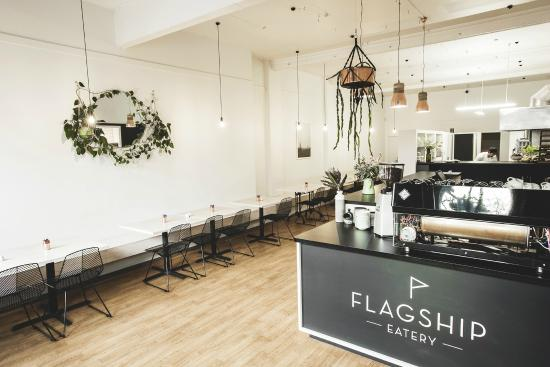 ‪Flagship Eatery‬