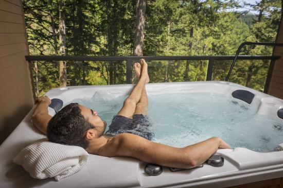 Carson Hot Springs Golf & Spa Resort: Wind River Hot Tub Room