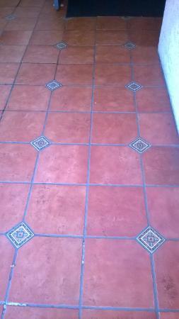 Ramada Poway: Neat Tiles