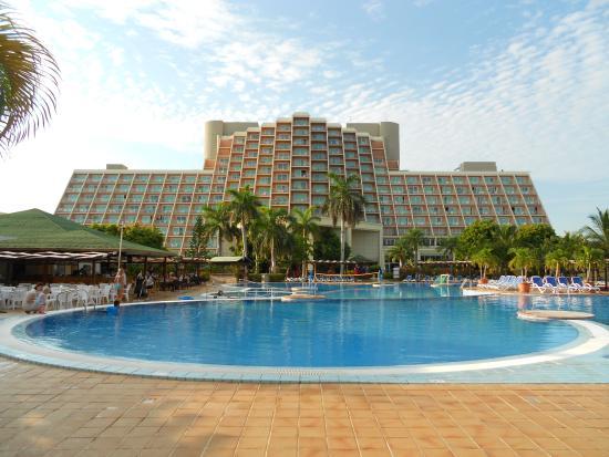 L 39 h tel et sa piscine picture of blau varadero hotel for Piscine varadero