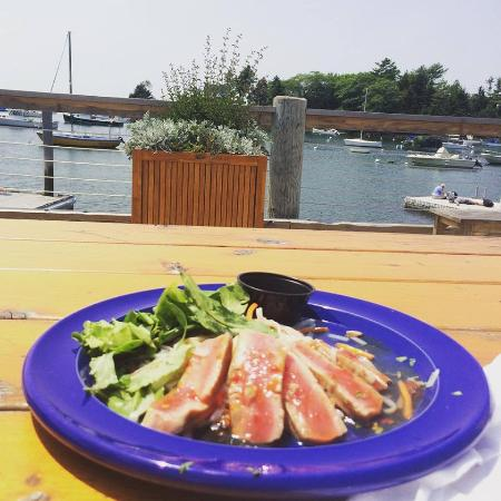 Oliver's at Cozy Harbor: Tuna on the deck!