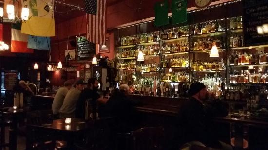 Dubh Linn Irish Brew Pub: Dubh Linn