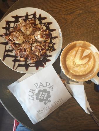 Mr. Papa Waffle & Cafe