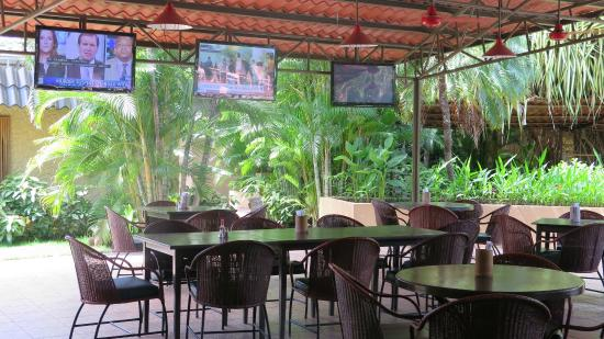 Hotel Coco Palms: RESTAURANTE