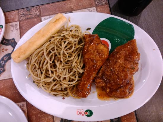 Bigoli - Trinoma: Italian Chicken with Spaghetti al Pesto