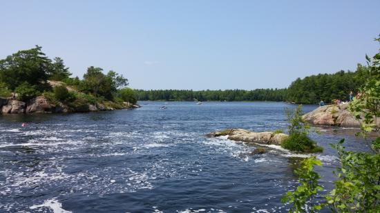 Burleigh Falls, Canada: looking out into Stoney Lake