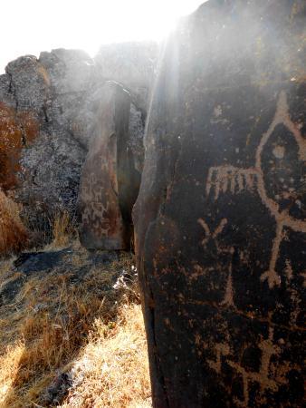Dallesport, WA: Sun and Petroglyph