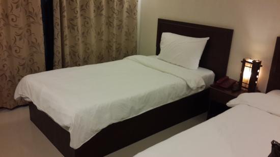 Kong Garden View Resort Chiang Rai: เตียงนอนสบาย สะอาดดี ไฟพอเหมาะ