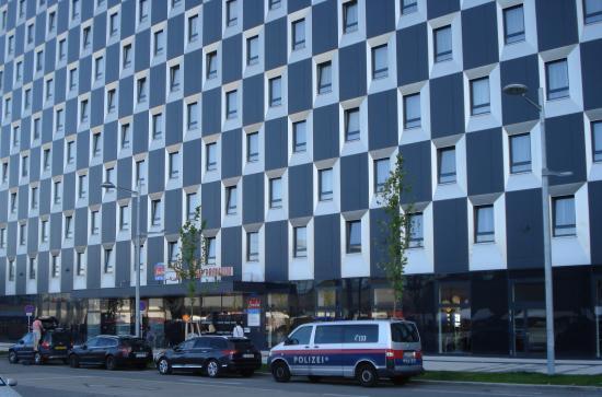 Star Inn Hotel Premium Wien Hauptbahnhof, by Quality: Part of the hotel facade [Photo Rolf Palmberg]