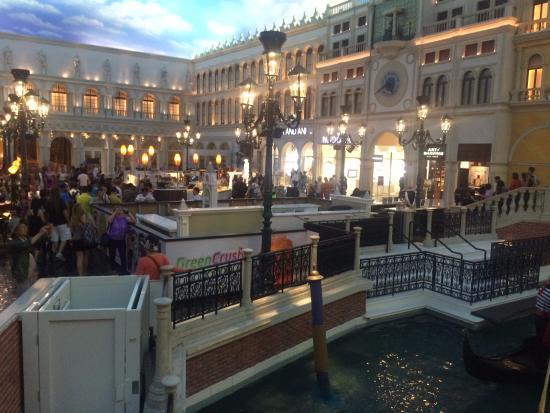 The Venetian Resort: Grand canal shops