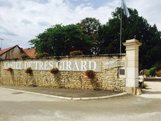 Castel de Très Girard : photo0.jpg