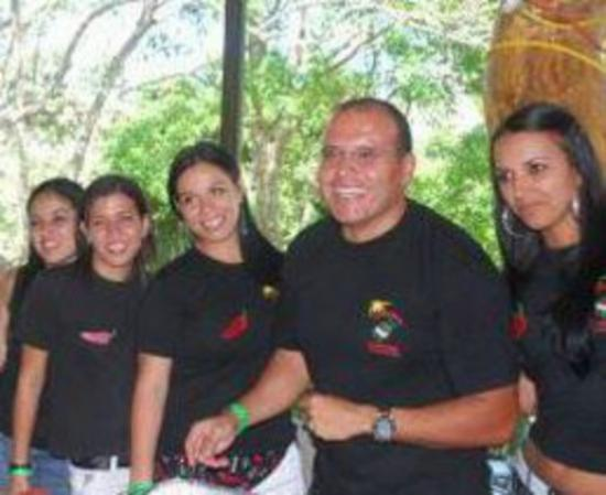Alajuela, Costa Rica: Jalapeños Central's crew won the Atenas Chili Festival a few years back!