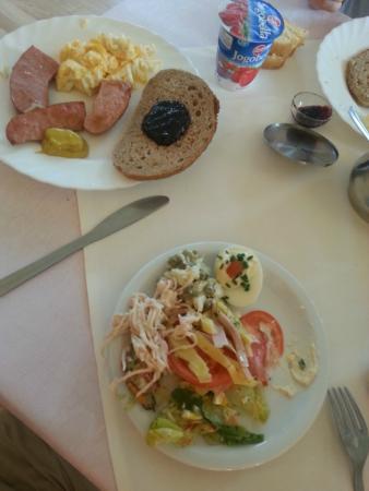 Villa Carlton: Desayuno
