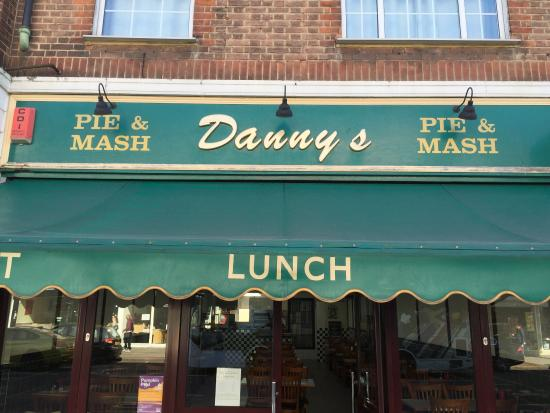 Danny's Pie and Mash : Recently Refurbished... Good Still Great Too!