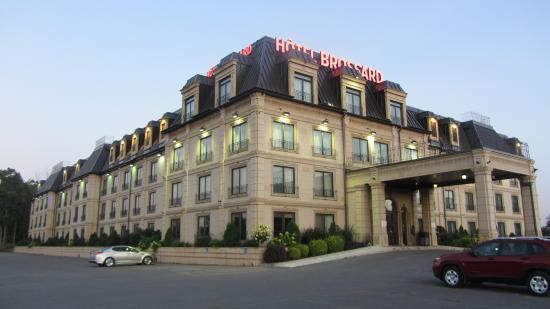 Hotel Brossard: hôtel