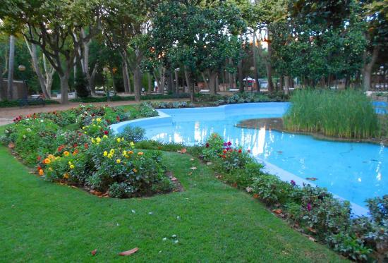 Estanque artificial Picture of Parque Miguel Servet Huesca