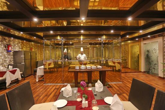 Live Kitchen - Picture of Hotel CH2, Srinagar - TripAdvisor