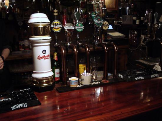 Geoff's Bar: Budvar v irském Pubu