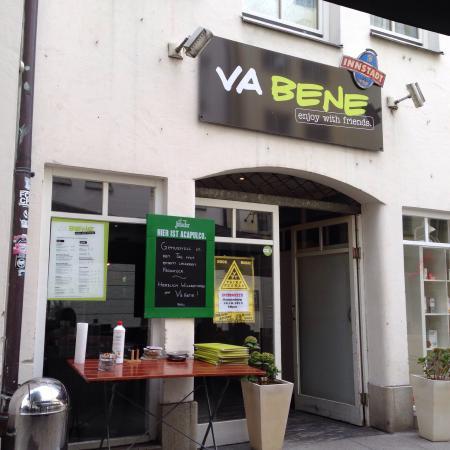Va Bene: Front of cafe