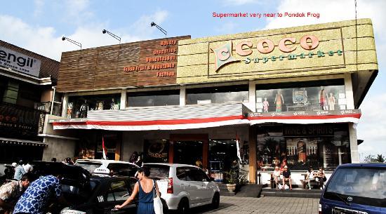 Pondok Frog Bungalow: Coco_Supermarket