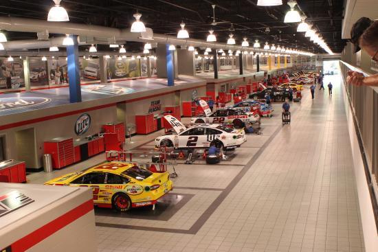 Penske Racing South Facility: Garage area