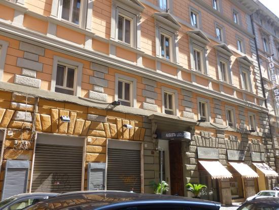 Hôtel Augusta Lucilla Palace