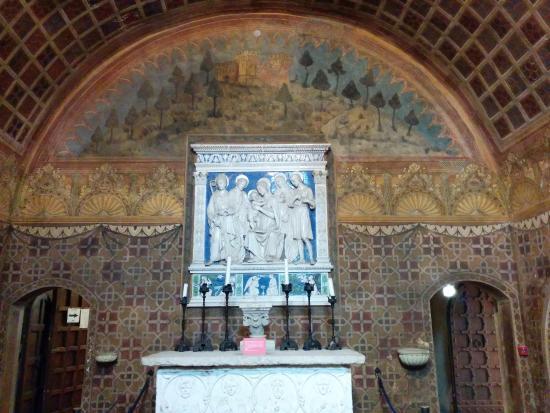 Interno del castello picture of castello di gradara for Interno help