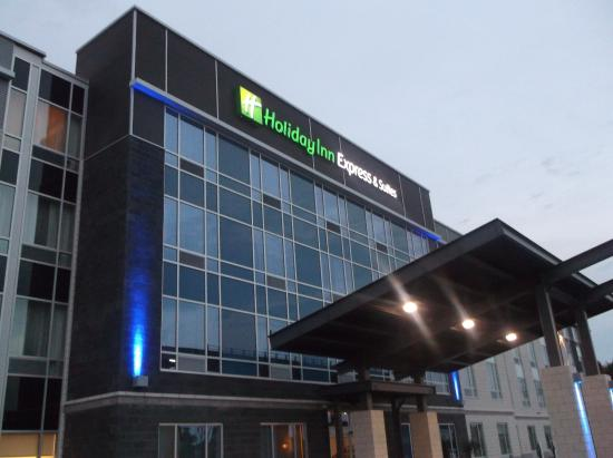 Holiday Inn Express & Suites Vaudreuil-Dorion